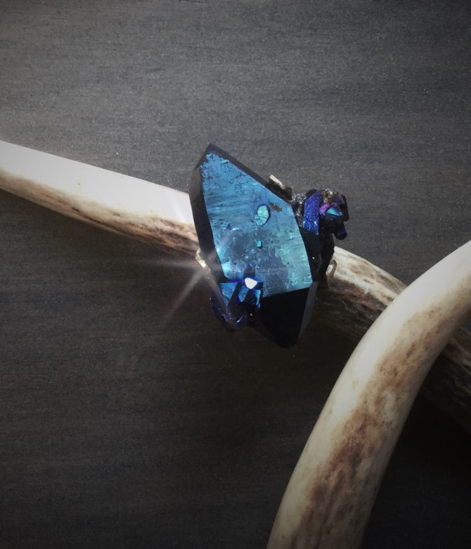 Extrovert Single Shard Cocktail Ring
